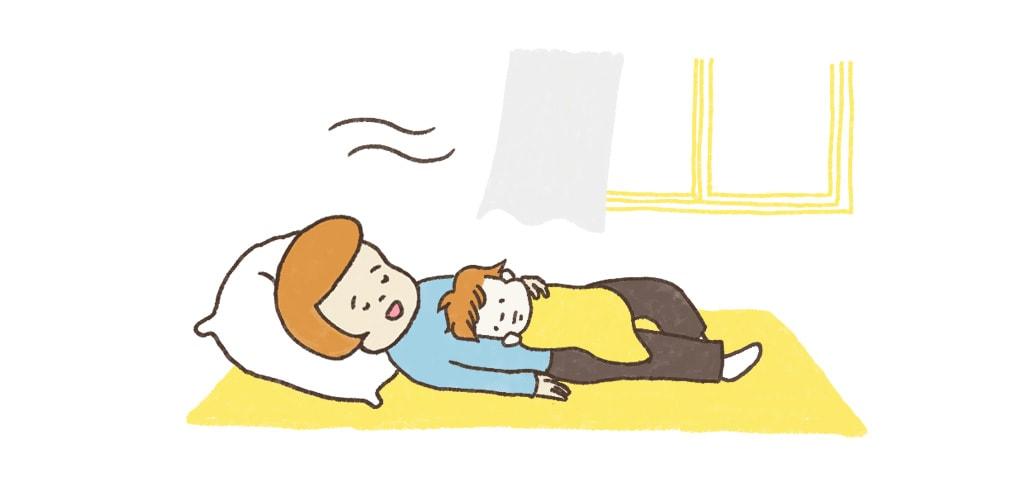 輕輕撫摸 寶寶 趴睡
