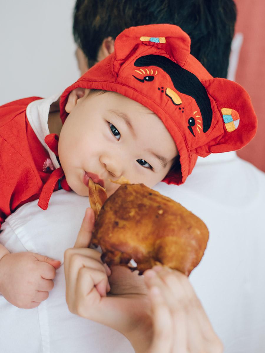 1歲 生日 抓周 儀式 流程 吃雞腿