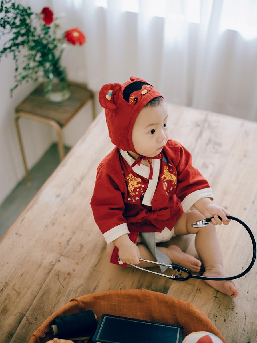 1歲 生日 抓周 寶寶寫真 生活寫真 虎衣